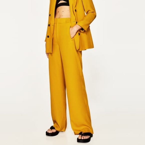 4d2e2dd3e2 Zara mustard yellow wide leg trousers